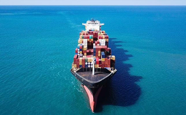 containter_ship_at_sea
