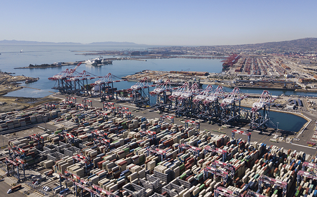 los angeles port container yard